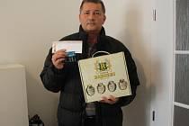 Pavel Kruliš, za něhož převzal cenu otec Ladislav, získal permanentku na jarní část ČFL, kterou do soutěže věnoval fotbalový klub FK Kolín, karton piv značky Rohozec a poukázku na cvičení Slim Belly.