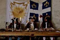 Záběr z videoklipu Polní soud