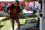 Z tradičního pečení chleba ve Štolmíři.