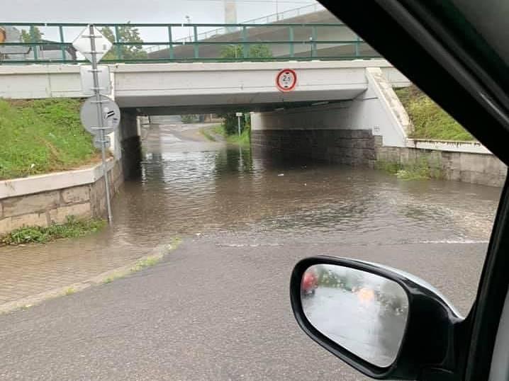 V Kolíně po přívalových deštích 14. června 2020.
