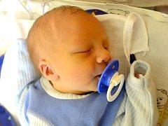 Jan Smetana se rozkřičel 19. ledna 2015. Po porodu měřil 48 centimetrů a vážil 2700 gramů. Ve Svatém Mikuláši se z něj těší maminka Lucie, tatínek Michal a sourozenci Dominik (9), Vanesa (8) a Lukáš (5).