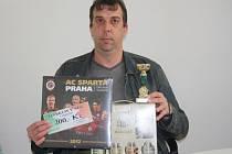 Marcel Hermann dostal od naší redakce poukázku v hodnotě 300,-Kč do pizzerie Týna, dárek z obchodu se sportovním zbožím Sporttrio, karton piv z pipovaru Rohozec  a pohár od firmy Sportforte.