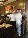 Restaurace Budvarka, Kolín, kuchař Petr Novotný (vpravo)