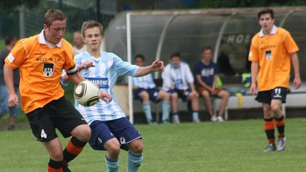 Z utkání FK Kolín - Olympia Hradec Králové (3:0).