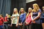 Děti z černokostelecké školy svým zpěvem pomohly už podruhé.