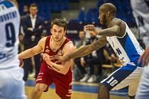 Z pohárového utkání BC Kolín - Svitavy (79:63).