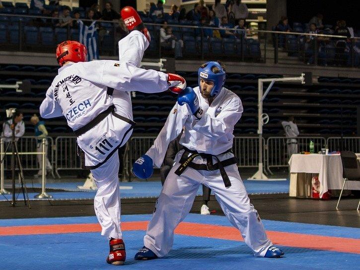 Michal Vavrinec (vlevo) při sportovním boji.