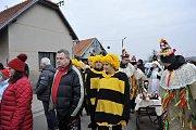 Tradiční průvod masek okořeněný zábavným programem prošel i touto obcí.