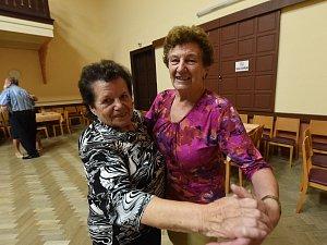 Odpolední taneční setkání přátel Kmocha