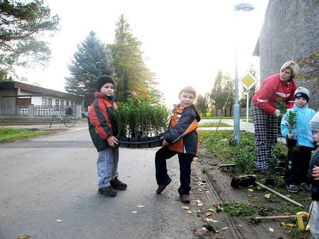 Děti byly úžasnými zahradníky.