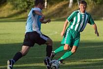 Vlastimil Chlád jako stoper Suchdola B v utkání III. třídy proti Církvici (7:5) v neděli 23. srpna 2009.