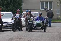 Jubilejní Plaketová jízda historických vozidel.