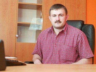 Tomáš Pilc (32) má vysokoškolské vzdělání a titul bakalář. Vlastní firmu, která se zabývá zpracováním a recyklací odpadů. Firma má 3 provozovny –  Malín (vedoucí L.Heřmánek), Čáslav (vedoucí P.Petana), Libenice u Kolína (vedoucí L.Křivánek). Je svobodný.