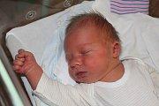 Jakub Rathouz se narodil 18. prosince 2017, měřil 54 centimetrů a vážil 4630 gramů. Maminka Petra a tatínek Martin si ho odvezli domů do Kutné Hory k dvouletému bráškovi Martínkovi.