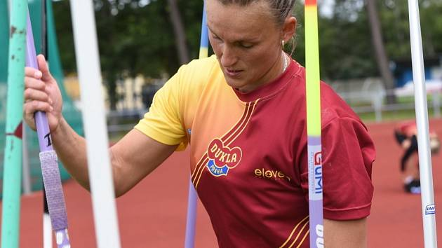 Atletický stadión Mirka Tučka v Borkách hostil 3. kolo prvoligové soutěže družstev mužů a žen. Vrcholem závodu byl druhý start dvojnásobné olympijské vítězky Barbory Špotákové.