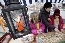 Prodej perníčků na kolínském Karlově náměstí