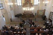 Koncert smyčcového kvarteta se konal v synagoze.