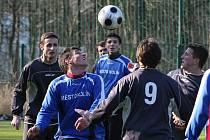 Z utkání na kolínském zimním fotbalovém turnaji FK Kolín - Polepy (3:0).