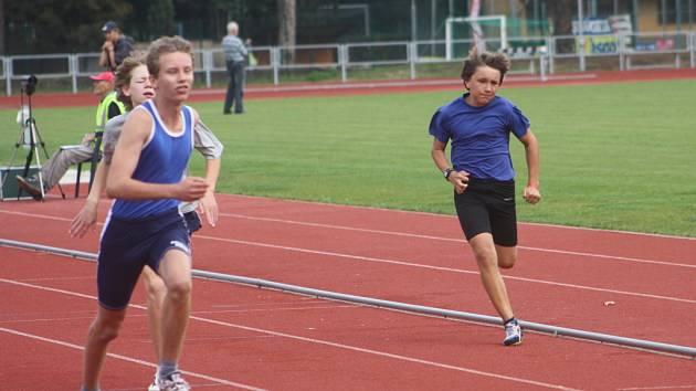 V nejkratším sprintu na 60 m byly rozdíly v cílovém prostoru minimální.