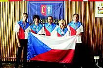Zleva: Václav Schieferdecker, David Korda, starosta Cerhenic Marek Semerád, Pavel Korda, Jiří Srp