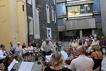 Collegium Musicum oslavilo koncertem na nádvoří