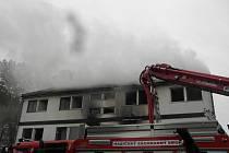 Požár domu ve Veletově. 7. října 2011