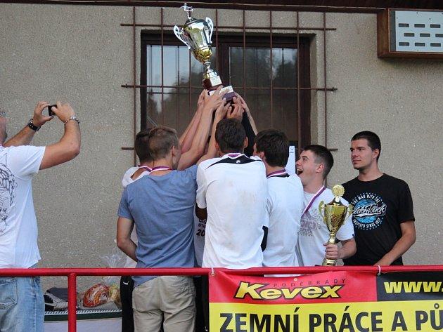 Oblíbený Kevin Cup se opět vydařil. Na turnaj si našlo cestu šestnáct týmů.
