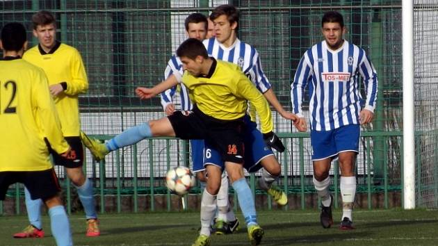 Z utkání Velim - Čelákovice (3:0).