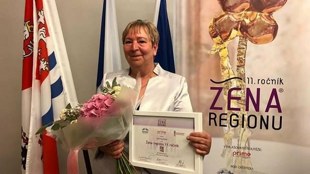 Ženou regionu Středočeského kraje se v roce 2020 stala Lýdie Kratinová z obecně prospěšné společnosti Mela.
