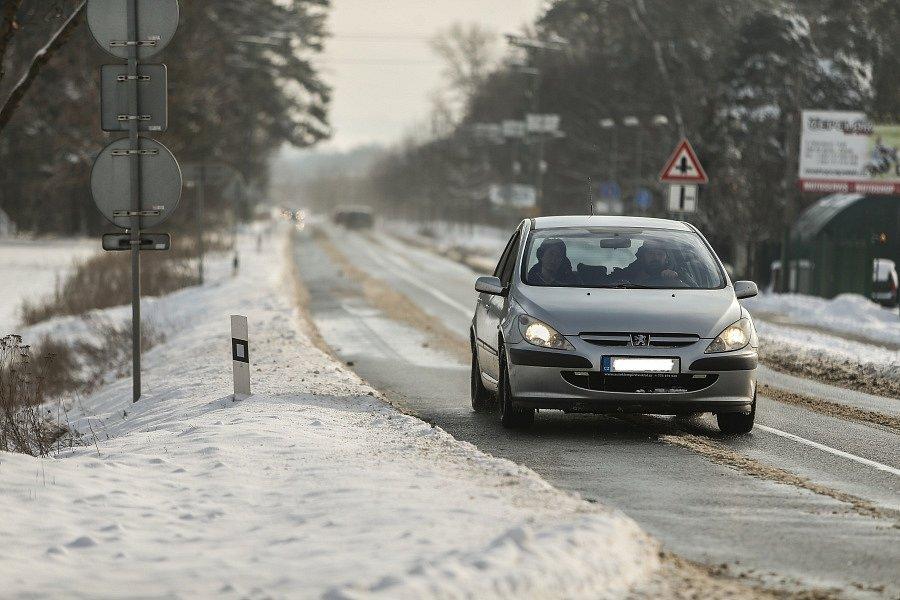 Silnice mezi Kolínem a Hradištkem 1 v úterý 9. února 2021.