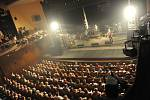 Stejná agentura, jenž dovezla před časem do kolínského Městského divadla Kamila Střihavku a jeho kapelu Leaders!, přivezla Kolíňákům ještě větší legendu Olympic