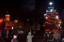 Vánoční strom rozsvítili i v Dobřichově
