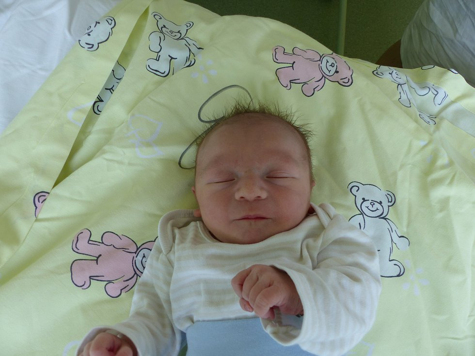 Matyáš Vostřes se narodil 3. března 2019, vážil 3070 g a měřil 48 cm. V Českém Brodě se z něj těší maminka Aneta a tatínek Vladimír.