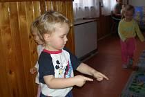 Děti v herně mateřského centra Šikulka v Přišimasech