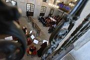 Izraelský velvyslanec David Meron patřil  knejvzácnějším hostům, kteří uvedli do života novou výstavu vprostorách kolínské synagogy.