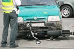 K další nehodě motocyklu a osobního auta došlo v pátek odpoledne na novém mostě v Kolíně.