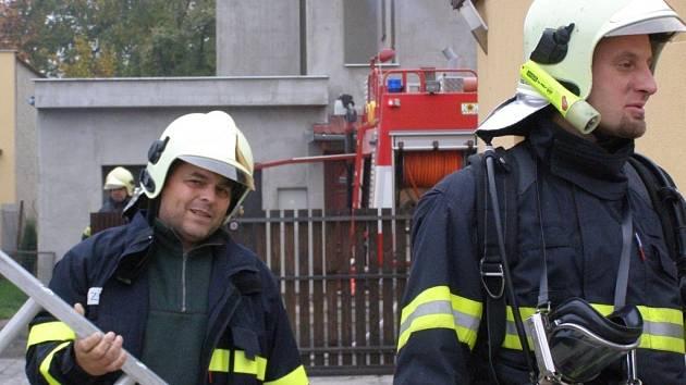 V Kostelci hořel rodinný dům