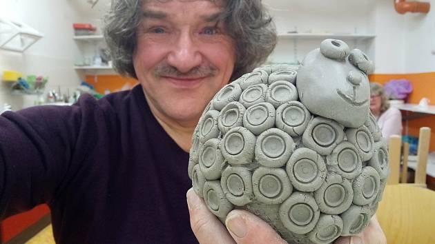 Keramika je dalším potěšením Luboše Votroubka.