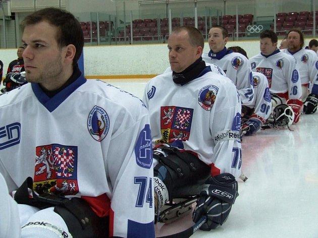 Hráči Kolína ve službách reprezentace. Zleva: Od předu: Michal Geier, Jiří Raul a Zdeněk Šafránek.