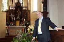 Tomáš Těmín (na fotografii) hovořil o unikátním nálezu ve velimském kostele.