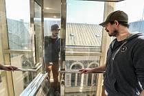 Radnice v Kolíně: výtah. Na snímku Michal Pazdera.