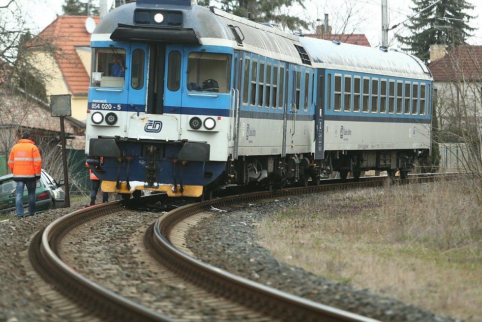 Nedovolená jízda vlaku za návěstidlo ve Velkém Oseku.