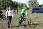 I přes nepříjemný vítr přijela závodit spousta cyklistů