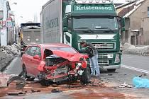 Dopravní nehoda v Jaselské ulici v Kolíně. 21. ledna 2010