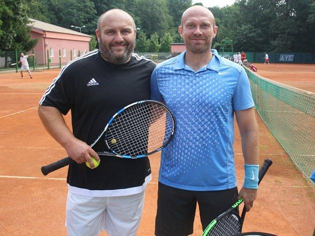 Vítězný pár - Adam Šťastný (vlevo), Petr Bureš.