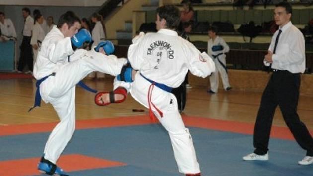 Ondřej Chábera (vlevo) z kolínské školy Silla v akci.