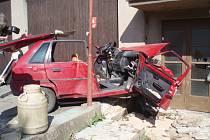 Nehoda Citroënu Saxo v Zásmukách