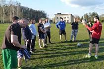 Na fotbalovém hřišti v Bělušicích se odehrál pod vedením přeloučského kouče Jaroslava Černého premiérový trénink.