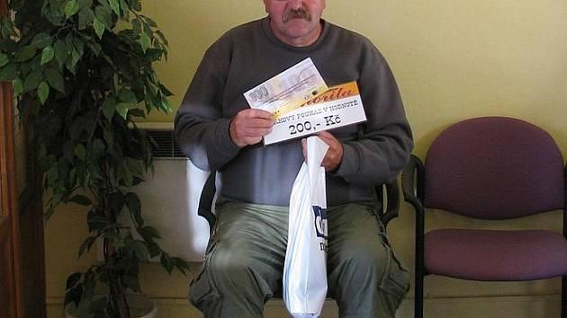 Jiří Kratochvíl získal za vítězství ve 3. kole tričko, volnou sázenku Fortuny v hodnotě 100,–Kč a poukaz v hodnotě 200,–Kč na bowling v restauraci Siňorita