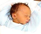 ONDŘEJ KUSÝ se narodil 8. srpna v 19.01 hodin rodičům Michaele a Lukášovi. Vážil 3,38 kilogramu a měřil 19.01 hodin. Rodina bude mít domov v Trutnově.